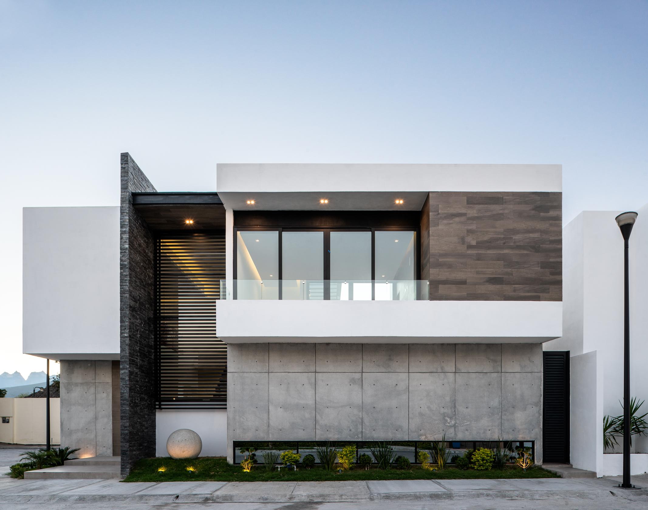 Encomienda House
